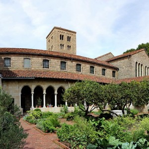 1024px-The_Cloisters_from_Garden