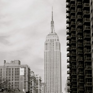 Empire-State-Building-black-and-white
